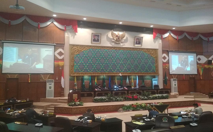 DPRD-Riau8.jpg