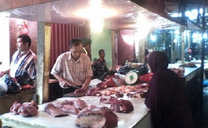 Daging-Sapi-di-Pasar-CIk-puan.jpg