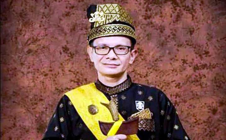 Datuk-Seri-Tengku-Zulmizan-Ahmad2.jpg