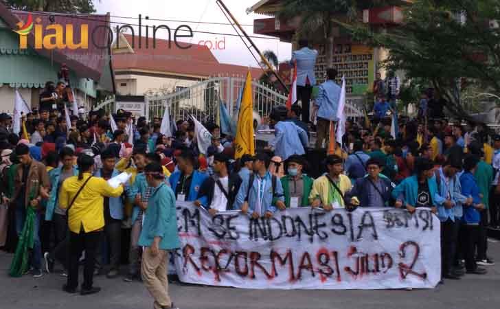 Demo-BEM-se-Indonesia.jpg