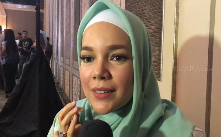 Dewi-Sandra2.jpg