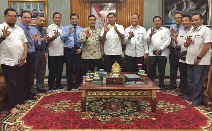 Dirut-Bank-Riau-Kepri-Jumpa-Wako-Firdaus.jpg