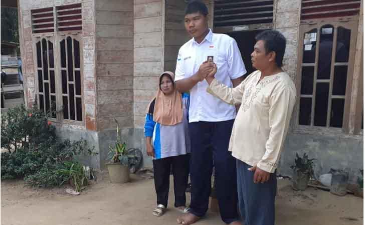 Emen-Remaja-Tertinggi-di-Riau.jpg