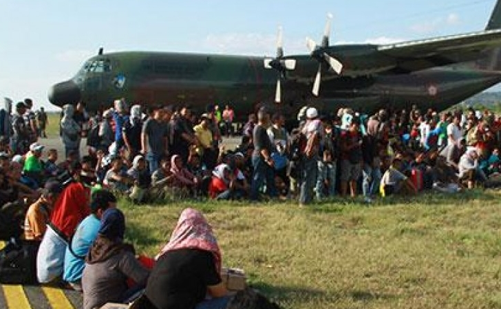Evakuasi-korban-gempa-Palu.jpg