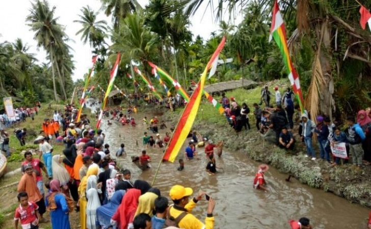 Festival-Bakaroh-di-Inhil.jpg