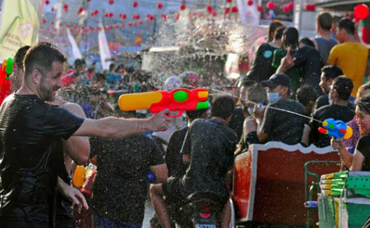 Festival-perang-air-meranti.jpg