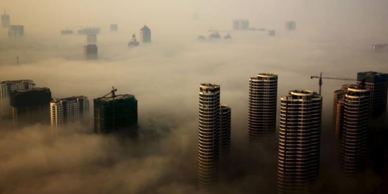 Gedung-Pencakar-Langit-di-China-Diselimuti-Asap.jpg
