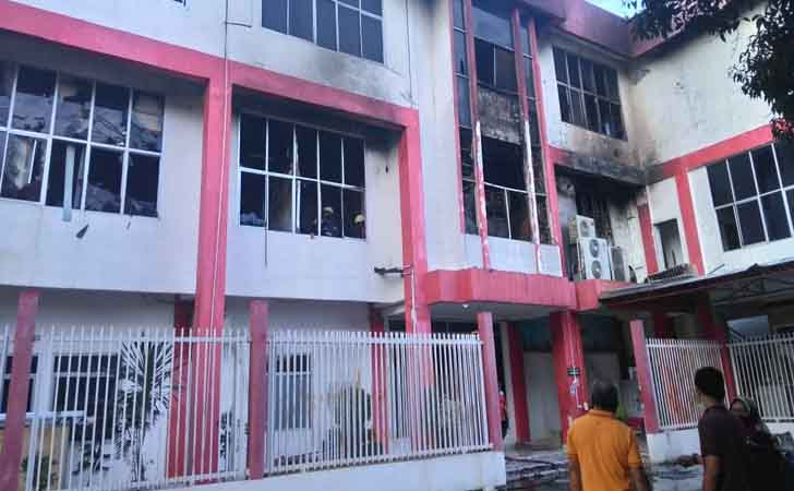 Gedung-Telkom-Terbakar.jpg