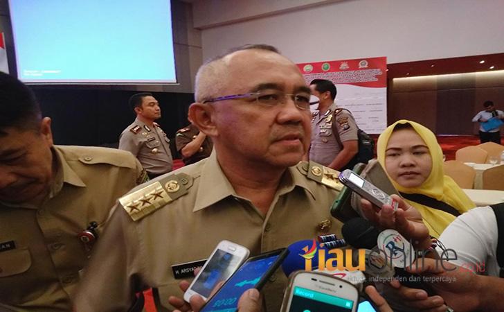 Gubernur-Riau-Arsyadjuliandi-Rachman5.jpg