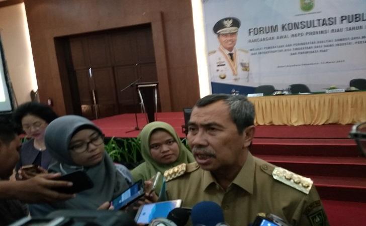 Gubernur-Riau-Syamsuar-1.jpg
