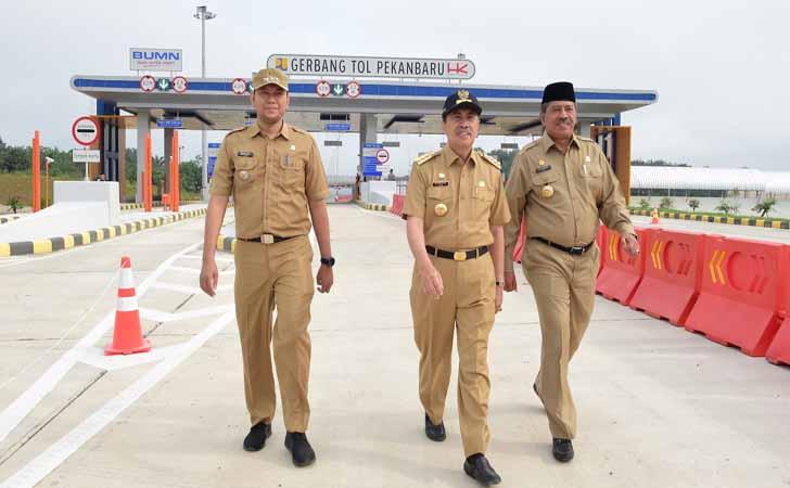 Gubernur-Riau-Uji-Coba-Tol.jpg