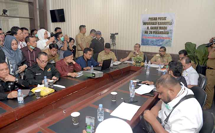 Gubernur-Tetapkan-Riau-Darurat-Asap.jpg