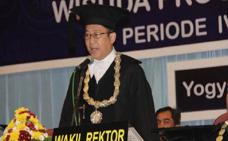 Guru-Besar-Farmakologi-Fakultas-Kedokteran-Universitas-Gadjah-Mada-Prof-Dr-Iwan-Dwiprahasto.jpg