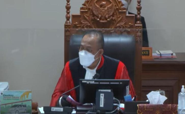 Hakim-MK-Suhartoyo2.jpg