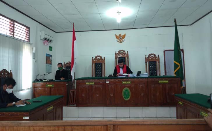 Hakim-Tunggal-Praperadilan-Kuansing.jpg