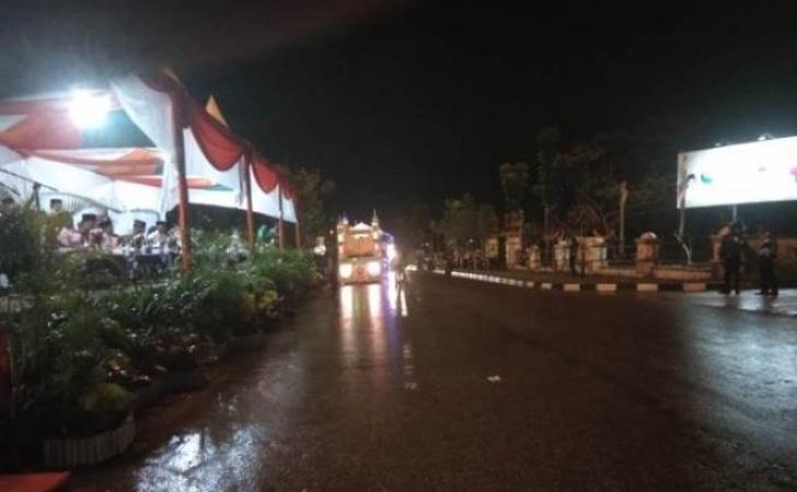 Hujan-di-malam-takbiran-Pelalawan.jpg