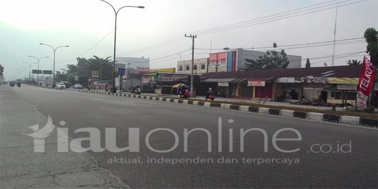 Jalan-HR-Soebrantas.jpg