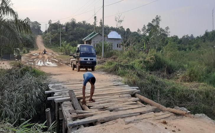 Jalan-Kecamatan-Pucuk-Rantau.jpg