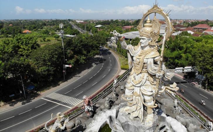 Jalan-Ngurah-Rai-Denpasar.jpg