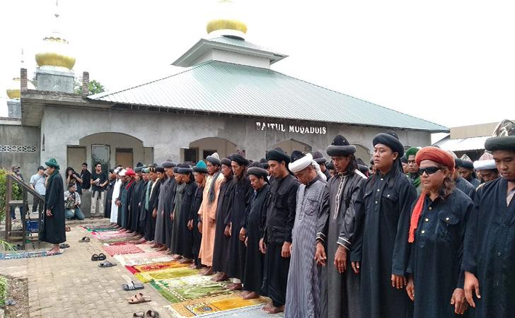 Jemaah-An-Nadzir-di-Kabupaten-Gowa.jpg