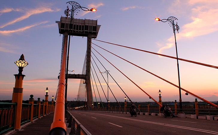 Jembatan-Siak.jpg