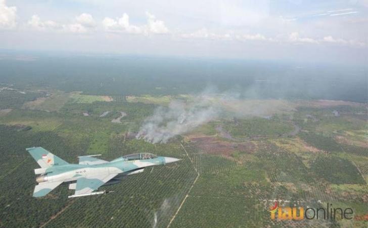Jet-tempur-pantau-titik-api.jpg
