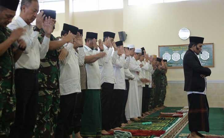 Jokowi-Salat-Istisqa.jpg