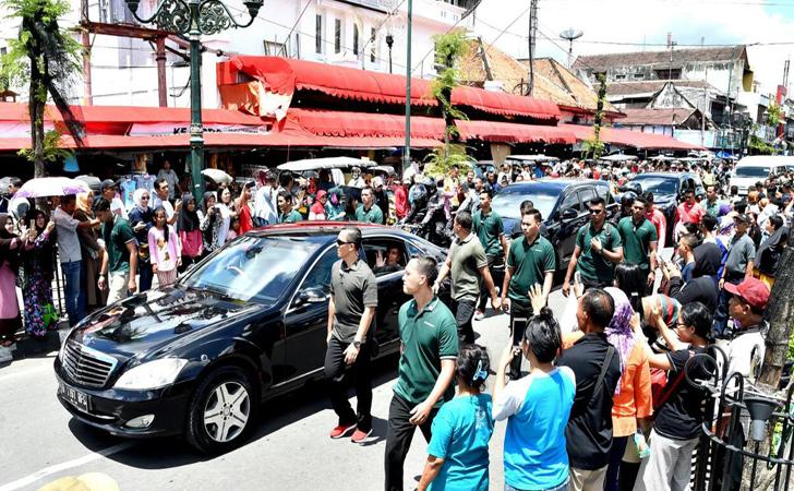 Jokowi-ke-Istana.jpg