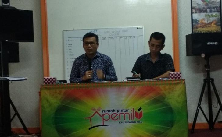 KPU-Riau-umumkan-hasil-perhitungan-suara.jpg
