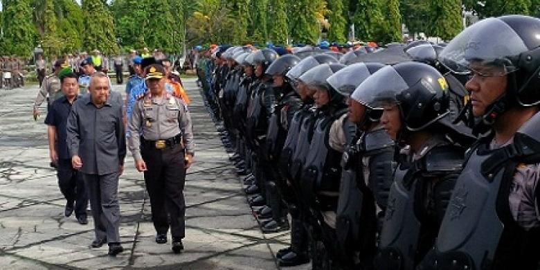 Kapolda-Riau-Bersama-Gubri2.jpg