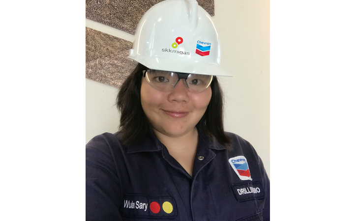 Karyawan-Chevron-Wulan-Sary.jpg