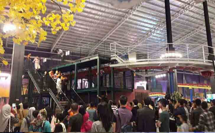 Karyawan-Transmart-Tewas-Dihantam-Roller-Coaster.jpg