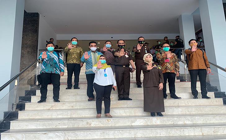 Kejati-Riau-dan-KPK2.jpg