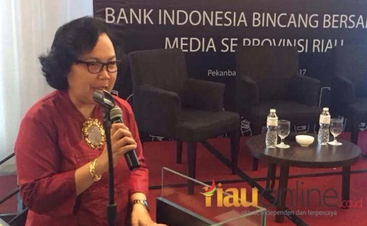 Kepala-BI-Riau-Siti-Astiyah.jpg