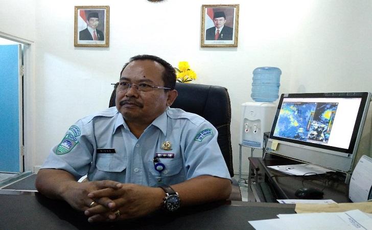 Kepala-Badan-Meteorologi-Klimatologi-dan-Geofisika-BMKG-stasiun-Pekanbaru-Sukisno.jpg