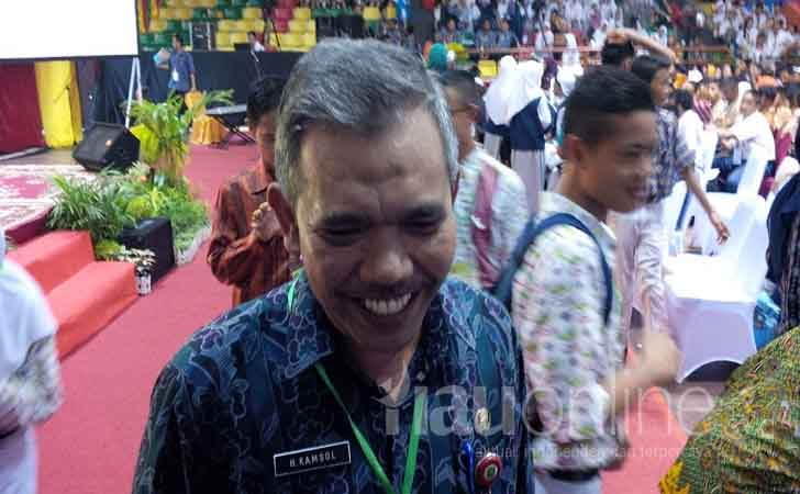 Kepala-Dinas-Pendidikan-Riau-Kamsol.jpg