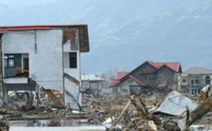 Kerusakan-akibat-tsunami-Aceh.jpg
