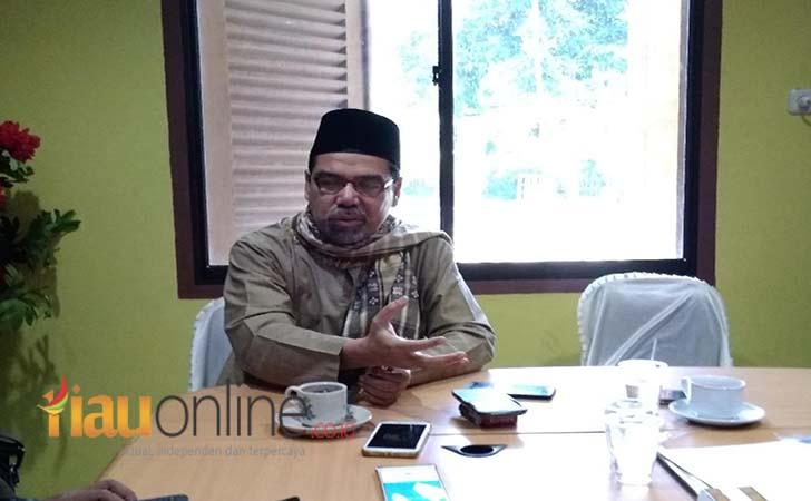 Ketua-Majelis-Kerapatan-Adat-LAM-Riau-Al-Azhar.jpg