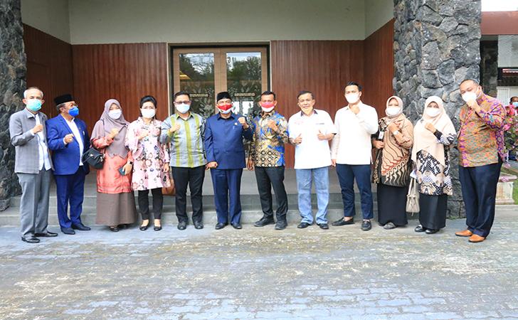 Komisi-V-DPRD-Riau-bersama-manajemen-PHR.jpg