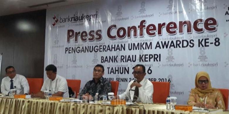 Konferensi-Pers-Anugerah-UMKM-Bank-Riaukepri.jpg