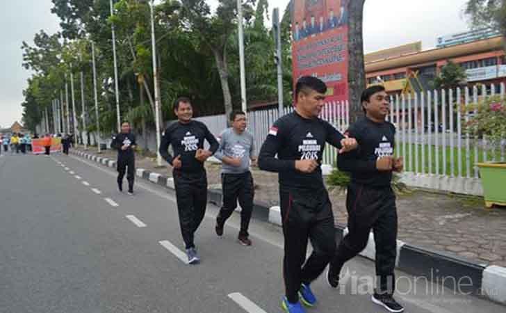 Lari-Maraton-KPU-Riau-Sosialisasikan-Pilgubri-2018.jpg