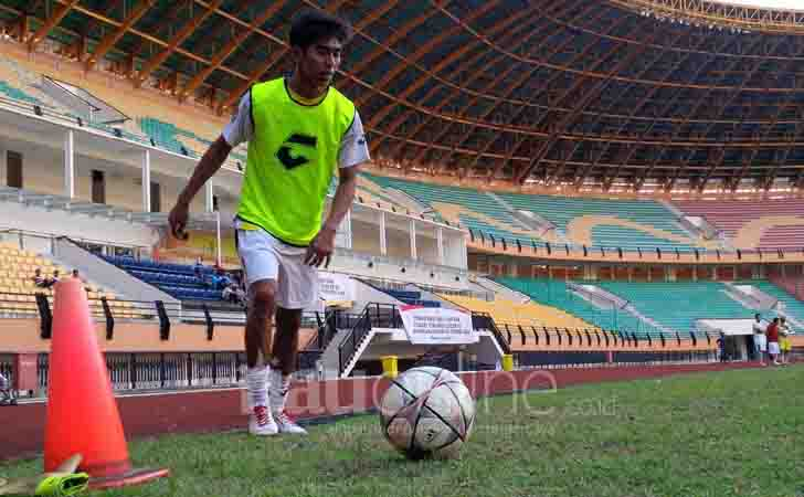 Latihan-Pemain-PSPS-Riau.jpg