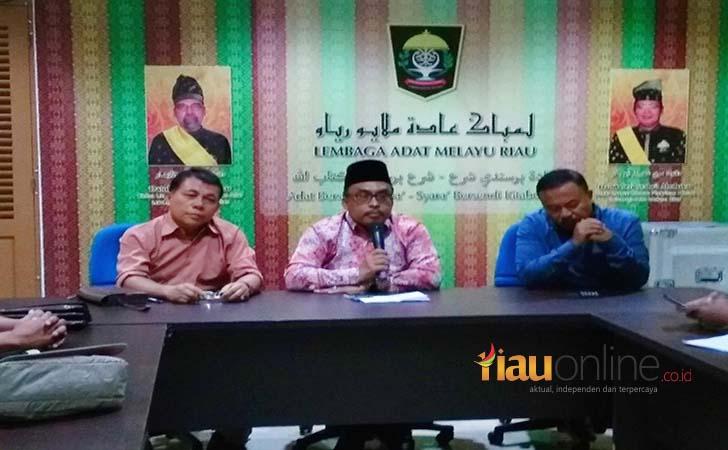 Lembaga-Adat-Melayu-LAM-Riau.jpg