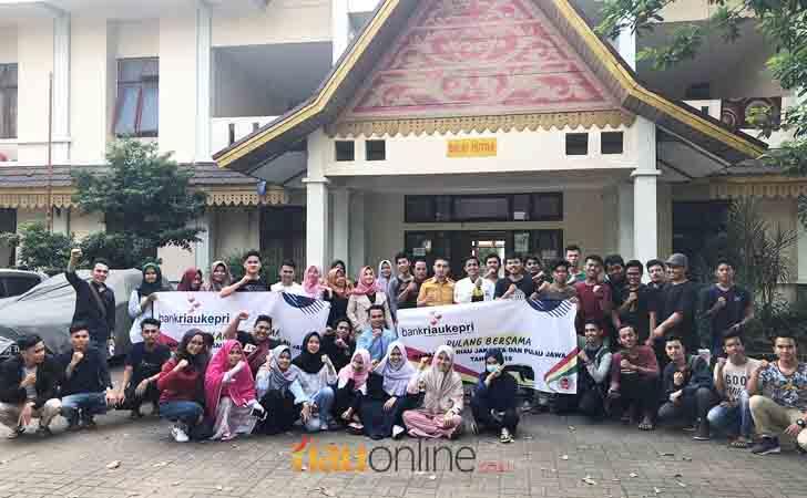Mahasiswa-Riau-Mudim-Bersama.jpg