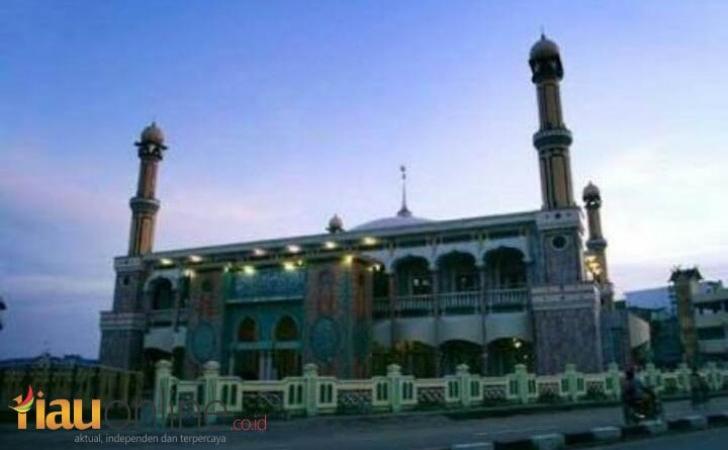 Masjid-Agung-Al-Huda-Tembilahan.jpg
