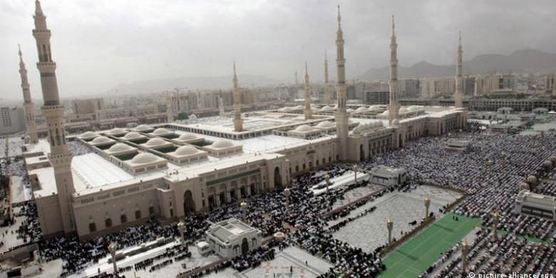 Masjid-Nabawi-Madinah.jpg