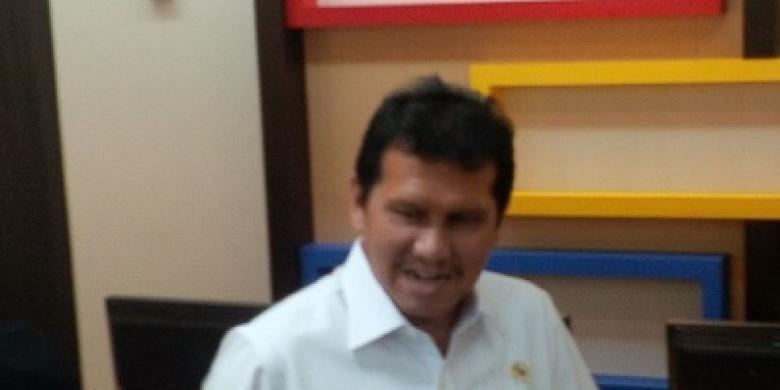 Menteri-Asman.jpg