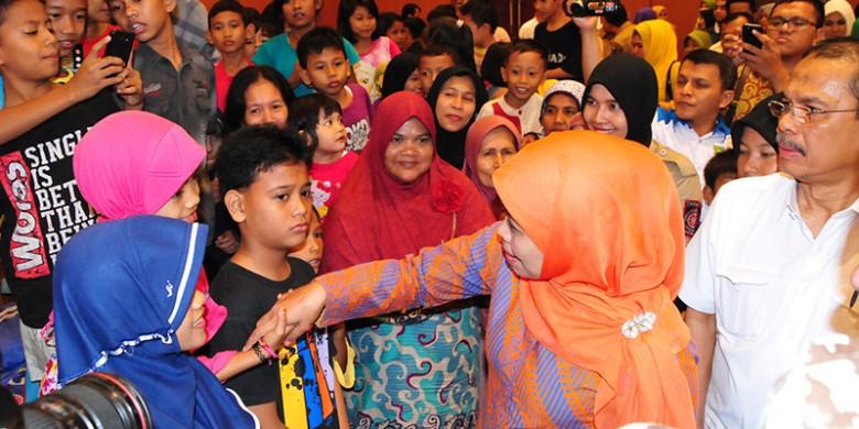 Menteri-Khofifah-di-Riau.jpg