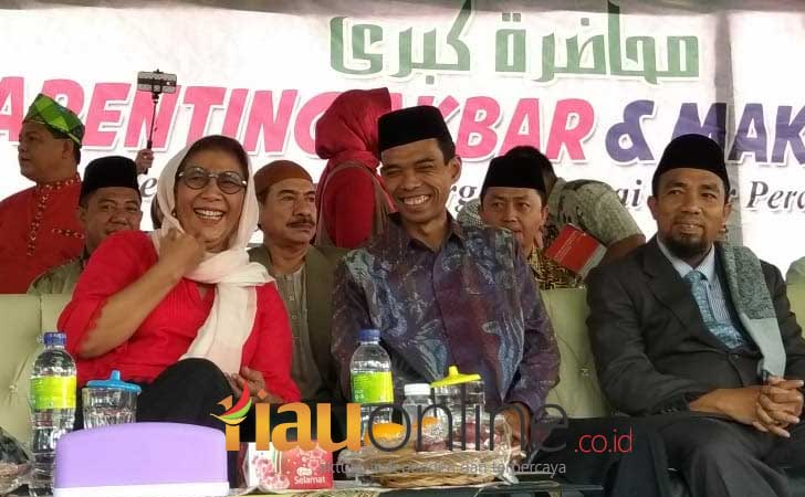 Menteri-Susi-dan-Ustad-Abdul-Somad.jpg