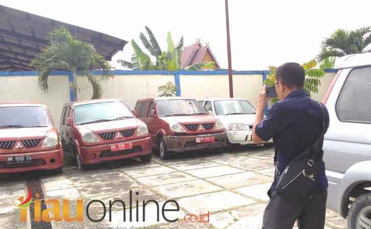 Mobil-dinas-Pemkab-Kampar.jpg